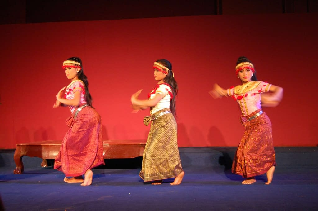 khmer opera phnom penh