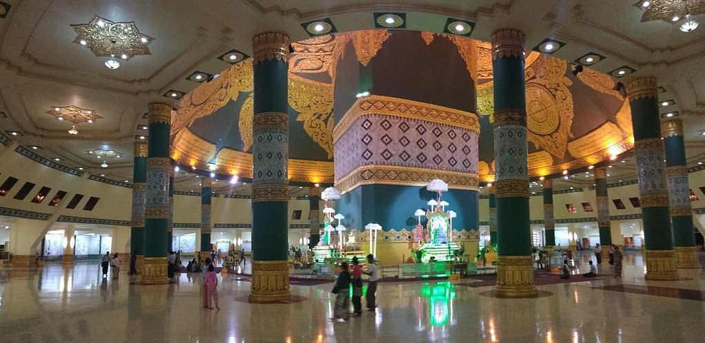 Uppatasanti Pagoda Interior